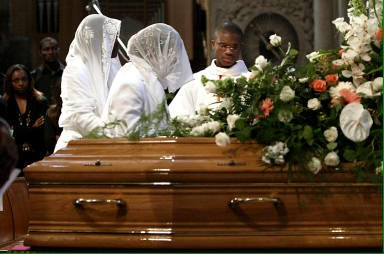 hommage lors d un enterrement
